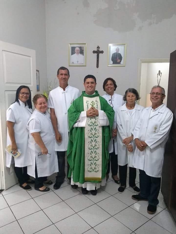 Foto Padre Adriano e equipe