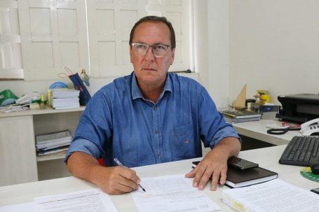 Prefeito Moacyr Leite gabinete Foto Roberto Santos