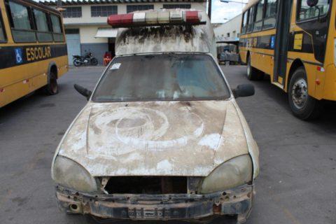 Carros sucateados